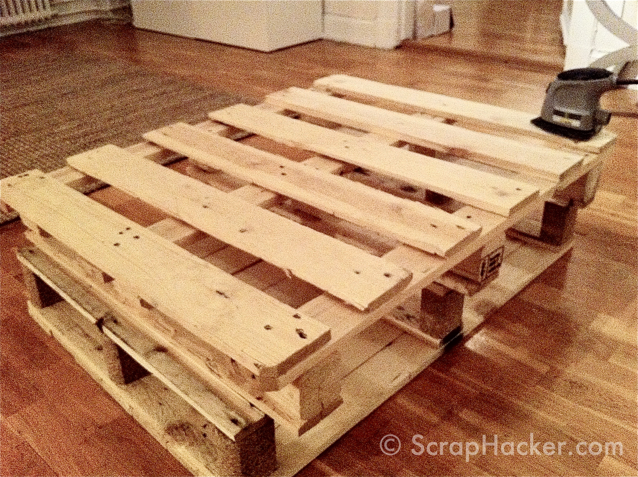 Diy pallet furniture instructions furnitureplans for Homemade furniture instructions