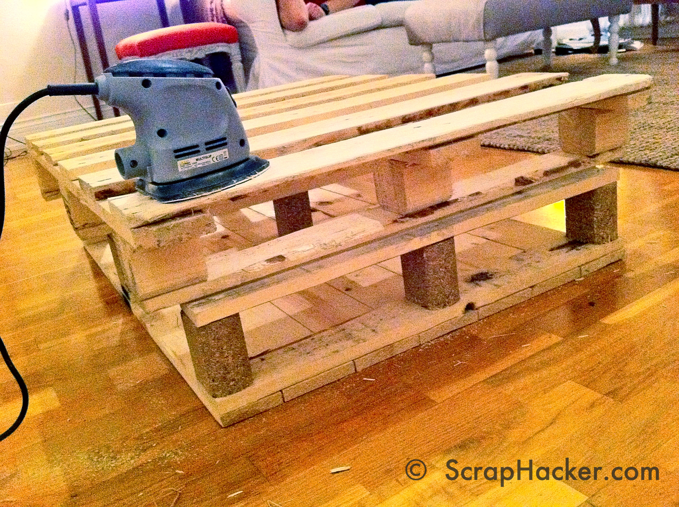 D I Y Pallet Coffee Table Tutorial