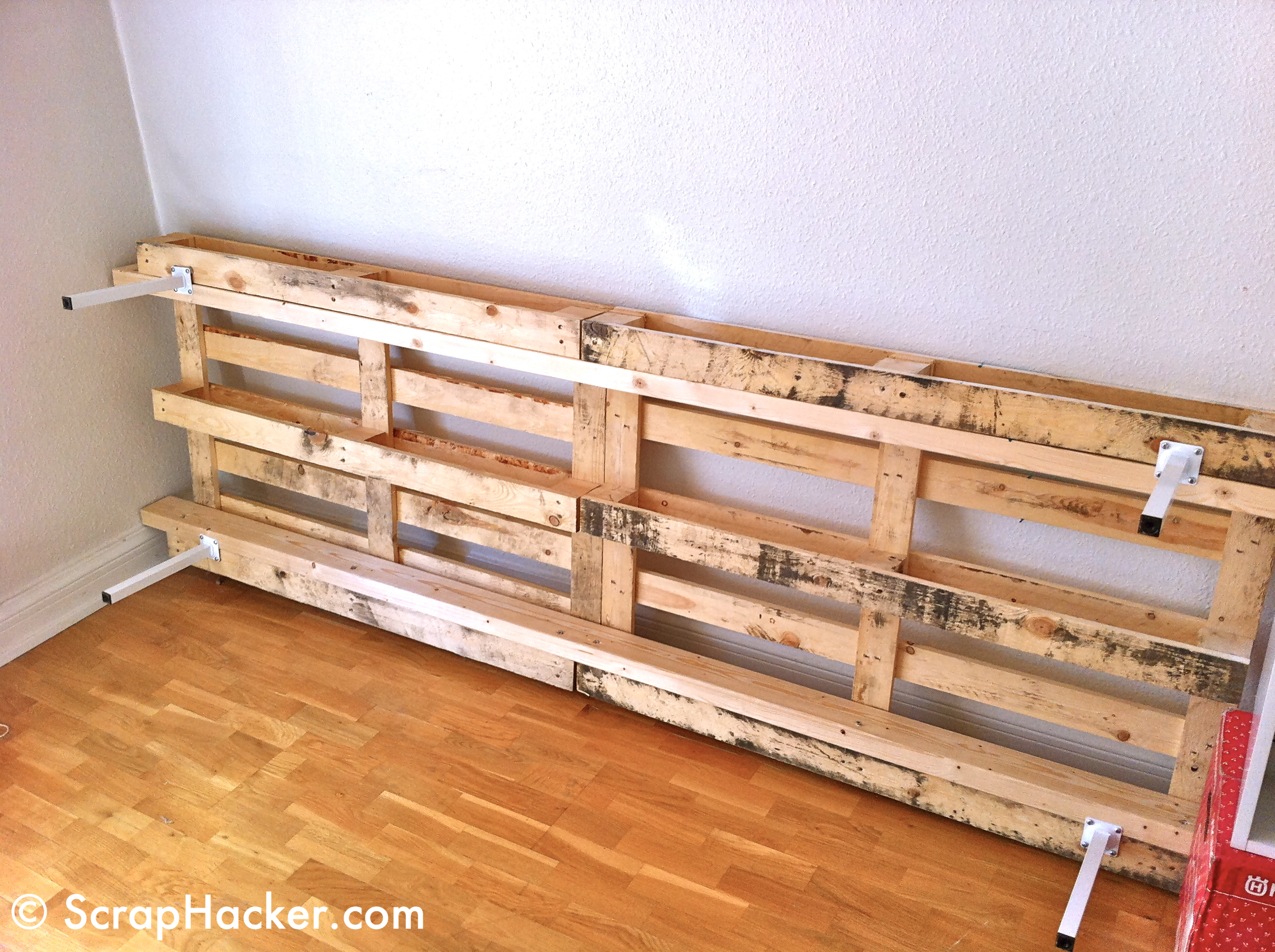 D i y lounger sofa bunk bed a 10 step tutorial - Sofas con palets ...