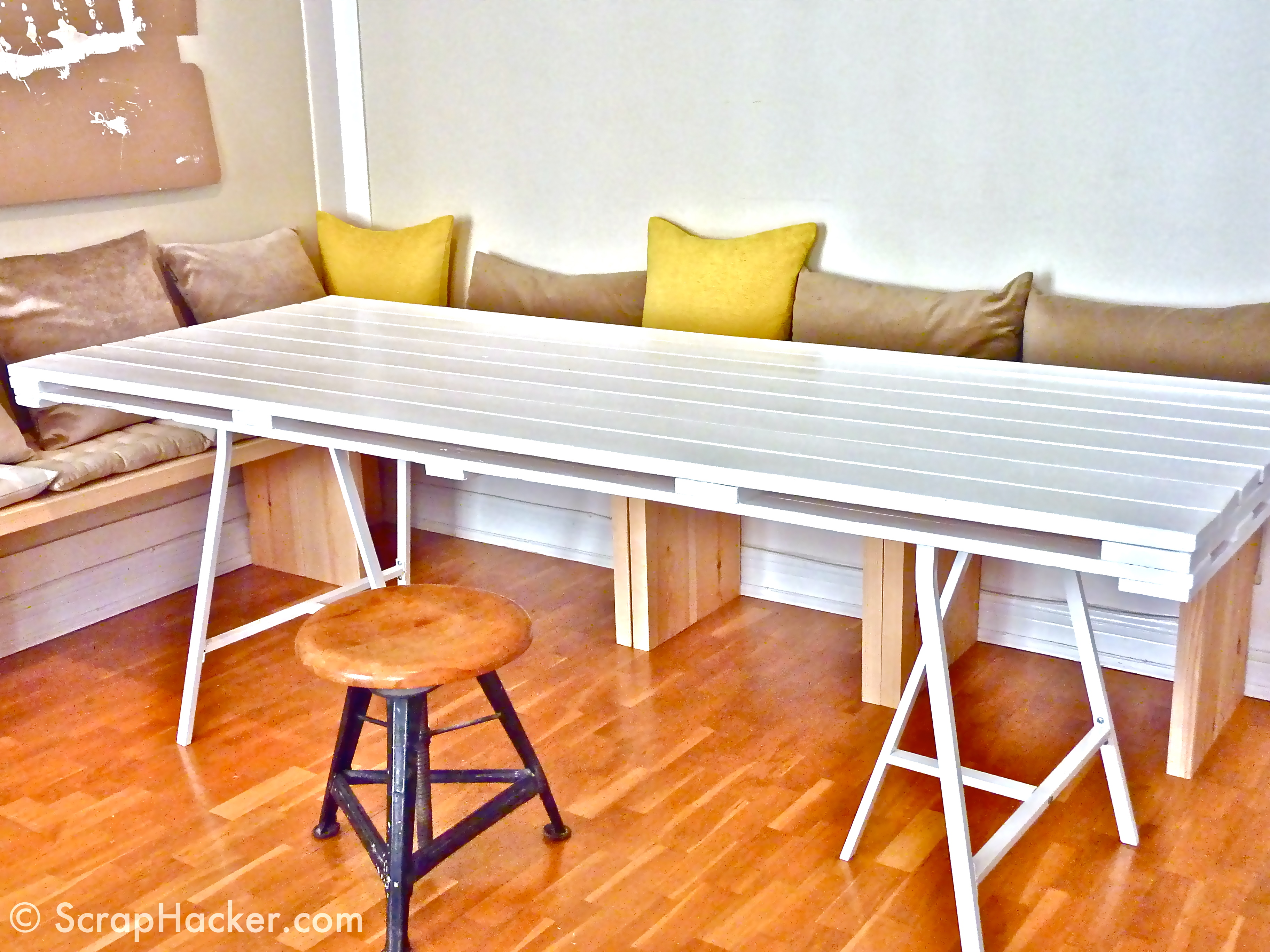 D i y pallet dining table a 10 step tutorial for Table en palette