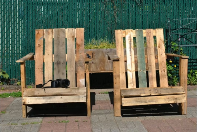 Adirondack Chairs Out Of Pallets