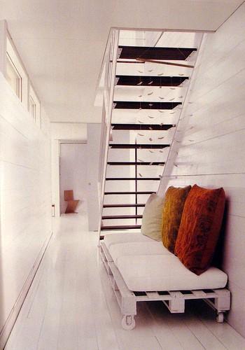 Minimal Pallet Sofa