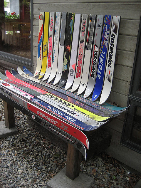 Top-5 Recycled Ski Furniture Hack Ideas - ScrapHacker.com