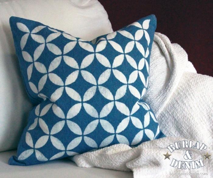 Stencil Ideas For Pillows: Top 10+ DIY ideas for Stenciled Pillows,