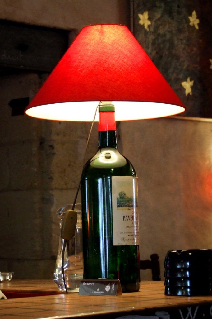 Bottle lamp diy top looks ideas scraphacker for How to cut the top off a wine bottle
