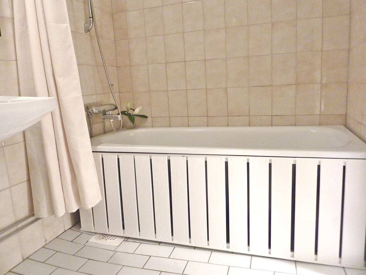 Make A Bath Tub Front Panel From Ikea S Gorm A 8 Step Tutorial